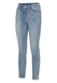 Niebieskie jeansy bonprix z aplikacjami
