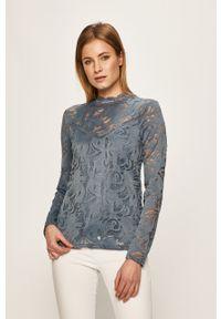 Niebieska bluzka Vila na co dzień, w koronkowe wzory