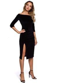 MOE - Czarna Welurowa Sukienka Ołówkowa ze Zmysłowym Dekoltem. Kolor: czarny. Materiał: welur. Typ sukienki: ołówkowe