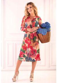 Merribel - Beżowa Kopertowa Sukienka w Kwiaty. Kolor: beżowy. Materiał: poliester. Wzór: kwiaty. Typ sukienki: kopertowe
