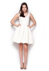 Figl - Ecru Rozkloszowana Sukienka Mini z Dekoltem V na Plecach. Materiał: poliester. Długość: mini