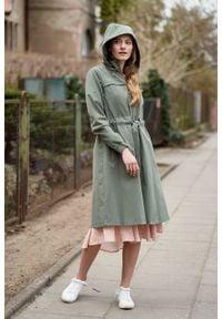 Marie Zélie - Parka Linda bawełna z elastanem oliwkowa. Kolor: oliwkowy. Materiał: elastan, bawełna. Długość: długie. Sezon: lato