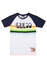 T-shirt Guess w kolorowe wzory