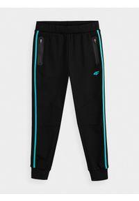 Czarne spodnie 4f sportowe, na co dzień