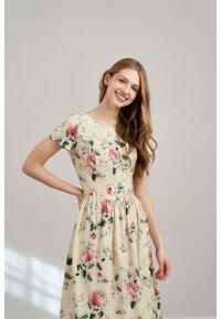 Marie Zélie - Sukienka Melania Villette kremowa. Kolor: kremowy. Materiał: bawełna, wiskoza, tkanina, materiał. Długość rękawa: krótki rękaw