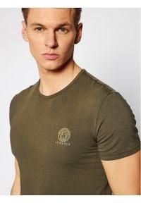 VERSACE - Versace T-Shirt Medusa AUU01005 Zielony Regular Fit. Kolor: zielony