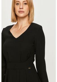 Czarna sukienka Armani Exchange na co dzień, z długim rękawem