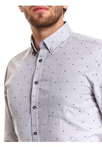 TOP SECRET - Koszula we wzór o kroju regular. Kolor: szary. Materiał: bawełna. Długość: długie. Sezon: zima. Styl: klasyczny #3