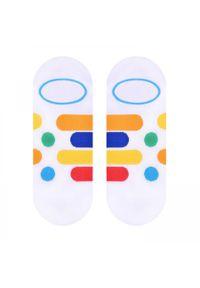 More - Białe skarpety stopki w paski i kropki SK164. Kolor: biały. Materiał: bawełna, poliamid, elastan. Wzór: kropki, paski