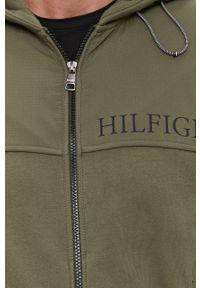 TOMMY HILFIGER - Tommy Hilfiger - Bluza bawełniana. Okazja: na co dzień. Typ kołnierza: kaptur. Kolor: zielony. Materiał: bawełna. Wzór: nadruk. Styl: casual