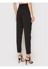 Birgitte Herskind Spodnie materiałowe Mercr 3758378 Czarny Regular Fit. Kolor: czarny. Materiał: materiał