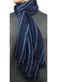 Niebieski szalik Teer na spacer, w prążki