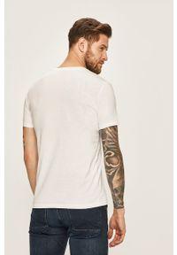 Marc O'Polo - T-shirt. Typ kołnierza: polo. Kolor: biały. Materiał: dzianina