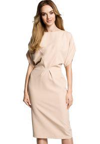MOE - Koktajlowa sukienka z luźną kimonową górą. Materiał: materiał, elastan. Styl: wizytowy