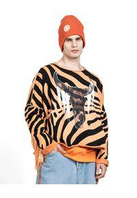 ROBERT KUPISZ - Oversize'owa bluza NOW WILD FRINGE. Kolor: czarny. Długość rękawa: długi rękaw. Długość: długie. Wzór: nadruk, aplikacja