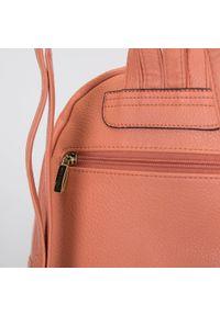 Wittchen - Damski plecak miejski z kolorową podszewką. Kolor: pomarańczowy. Materiał: skóra ekologiczna. Wzór: kolorowy. Styl: wakacyjny, klasyczny