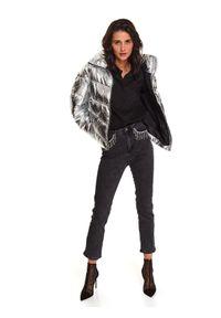 TOP SECRET - Spodnie jeansowe z aplikacją przy kieszeniach. Kolor: szary. Materiał: jeans. Wzór: aplikacja. Sezon: zima