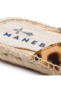 Brązowe klapki Manebi