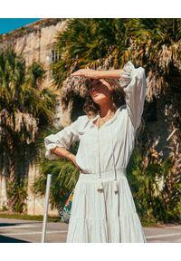 M.A.B.E - Sukienka maxi Ellaria. Kolor: niebieski. Materiał: bawełna, koronka, tkanina, materiał. Wzór: kwiaty, koronka, paski, aplikacja. Sezon: lato. Typ sukienki: rozkloszowane. Długość: maxi