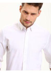 Biała koszula TOP SECRET długa, z długim rękawem, w kolorowe wzory