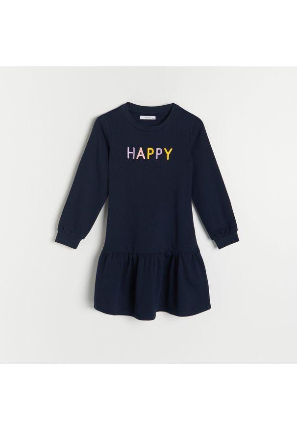 Reserved - Bawełniana sukienka z haftem - Granatowy. Kolor: niebieski. Materiał: bawełna. Wzór: haft