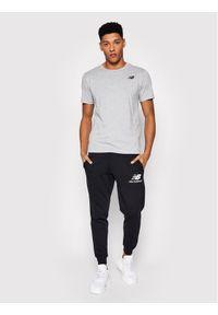 New Balance T-Shirt Classic Arch NBMT1198 Szary Slim Fit. Kolor: szary