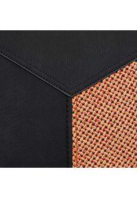 Czarna torebka worek Wittchen w geometryczne wzory