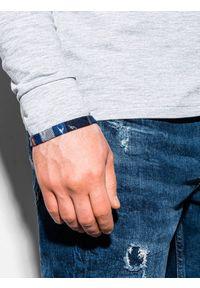 Ombre Clothing - Bluza męska ze stójką B1015 - szara - XXL. Typ kołnierza: kołnierzyk stójkowy. Kolor: szary. Materiał: dresówka, poliester, materiał, dzianina, bawełna. Wzór: kratka
