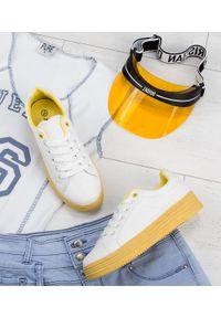 ABLOOM - Buty sportowe damskie Abloom W-68 Biało-Żółte. Kolor: biały, żółty, wielokolorowy. Materiał: tkanina, tworzywo sztuczne. Obcas: na obcasie. Wysokość obcasa: średni, niski