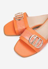 Renee - Pomarańczowe Klapki Scopiste. Nosek buta: otwarty. Kolor: pomarańczowy. Wzór: aplikacja. Obcas: na obcasie. Styl: klasyczny. Wysokość obcasa: niski