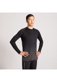 KIPRUN - Koszulka do biegania z długim rękawem męska Kiprun Care. Kolor: wielokolorowy, szary, czarny. Materiał: poliamid, materiał, poliester. Długość rękawa: długi rękaw. Długość: długie. Sezon: zima. Sport: fitness