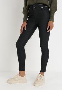 Born2be - Czarne Spodnie Pyrhereia. Stan: podwyższony. Kolor: czarny