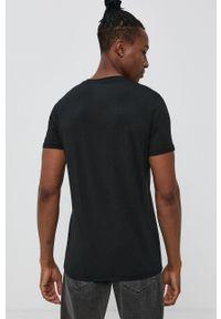 Resteröds - T-shirt. Okazja: na co dzień. Kolor: czarny. Materiał: bawełna, dzianina, włókno. Wzór: gładki. Styl: casual