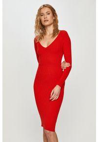 Czerwona sukienka Silvian Heach na co dzień, casualowa, mini