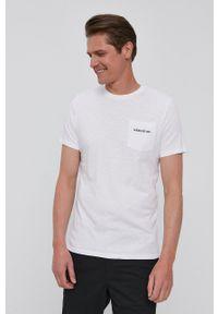 Guess - T-shirt. Okazja: na co dzień. Kolor: biały. Materiał: bawełna, dzianina. Styl: casual