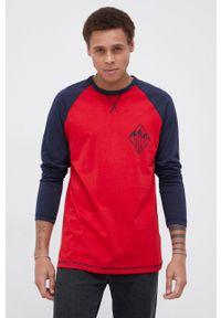 Cross Jeans - Longsleeve bawełniany. Okazja: na co dzień. Kolor: czerwony. Materiał: bawełna. Długość rękawa: długi rękaw. Wzór: nadruk. Styl: casual