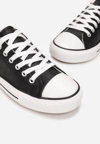 Born2be - Czarne Trampki Nemekharei. Okazja: na co dzień. Wysokość cholewki: przed kostkę. Nosek buta: okrągły. Kolor: czarny. Materiał: jeans, kauczuk, materiał. Szerokość cholewki: normalna. Styl: casual