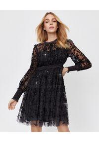 NEEDLE & THREAD - Czarna sukienka Whitethorn. Okazja: na imprezę. Kolor: czarny. Materiał: tiul, materiał. Wzór: haft, kwiaty, aplikacja. Typ sukienki: w kształcie A. Styl: vintage, elegancki