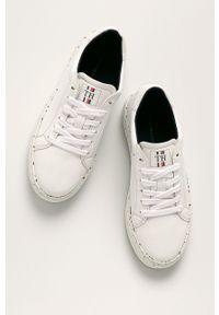 Białe buty sportowe TOMMY HILFIGER na sznurówki, z cholewką, z okrągłym noskiem