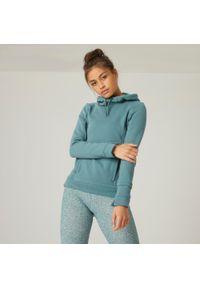 DOMYOS - Bluza z kapturem fitness. Typ kołnierza: kaptur. Kolor: zielony. Materiał: włókno, bawełna, materiał. Sport: fitness