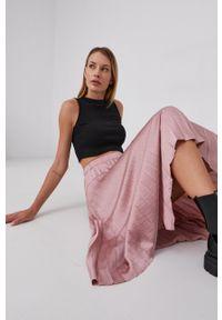 Answear Lab - Spódnica. Kolor: różowy. Materiał: tkanina, satyna, materiał. Wzór: ze splotem. Styl: wakacyjny