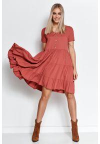 e-margeritka - Zwiewna sukienka z falbanami indyjski róż - 40/42. Kolor: różowy. Materiał: wiskoza, materiał. Wzór: aplikacja. Długość: midi