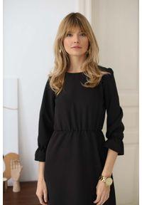 Czarna sukienka Nommo maxi, z falbankami