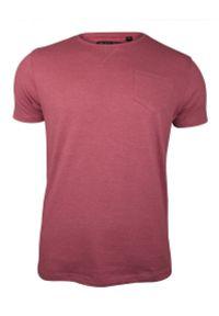 Różowy T-Shirt (Koszulka) z Kieszonką, Bez Nadruku -Brave Soul- Męski, Okrągły Dekolt, Łososiowy. Okazja: na co dzień. Kolor: różowy. Materiał: bawełna, poliester. Sezon: lato, wiosna. Styl: casual