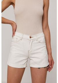 Haily's - Szorty jeansowe. Okazja: na co dzień. Stan: podwyższony. Kolor: biały. Materiał: jeans. Styl: casual