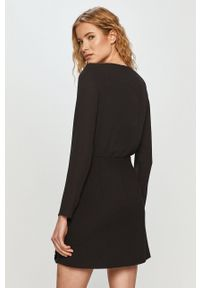 Liu Jo - Sukienka. Kolor: czarny. Materiał: tkanina. Długość rękawa: długi rękaw. Wzór: gładki. Typ sukienki: dopasowane