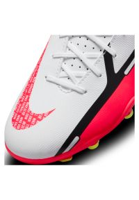 Buty dla dzieci piłkarskie Nike Phantom GT2 Club FG DC0823. Materiał: syntetyk. Szerokość cholewki: normalna. Wzór: gładki. Sport: piłka nożna