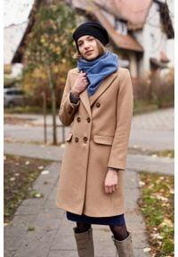 Marie Zélie - Płaszcz wełniany Debora beżowy – flausz. Kolor: beżowy. Materiał: wełna. Wzór: ze splotem, motyw zwierzęcy. Sezon: zima. Styl: klasyczny