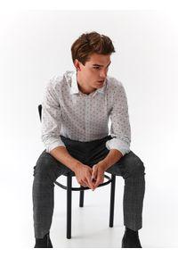 Biała koszula TOP SECRET długa, na co dzień, w kolorowe wzory
