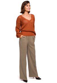 Pomarańczowy sweter oversize MOE z dekoltem w serek